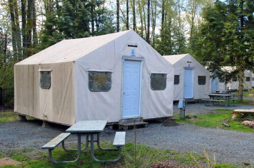 pathfindercampresorts-loding-tent-cabin-2